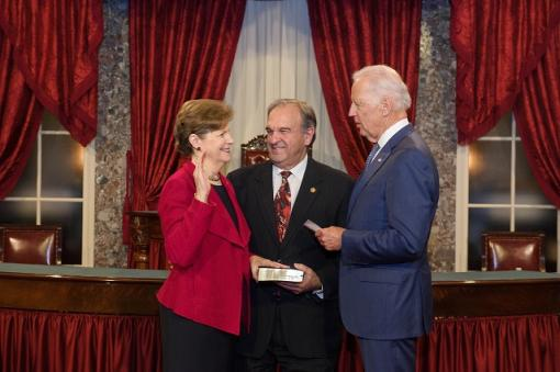 SHAHEEN SWORN IN FOR SECOND TERM AS NEW HAMPSHIRE'S SENIOR SENATOR