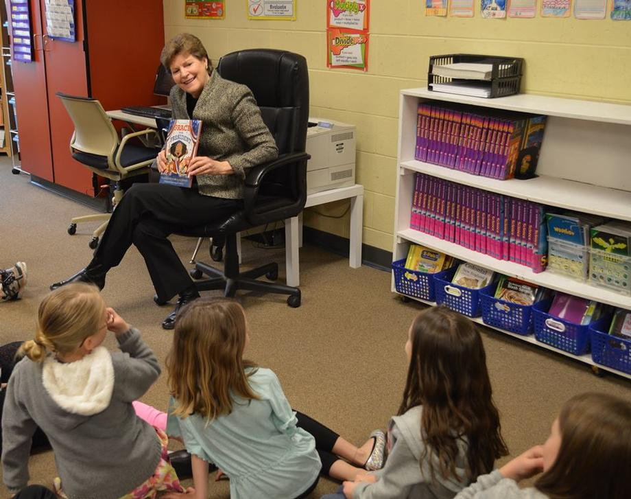 Senator Shaheen visited Matthew Thornton Elementary School in Londonderry to read the book Grace for President to students to highlight Women's History Month.