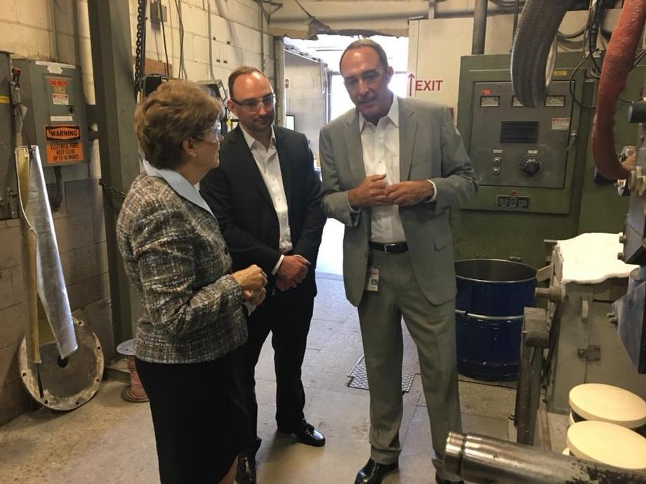 Senator Shaheen visiting Hitchiner Manufacturing Company to discuss their recently announced expansion and their workforce development efforts.