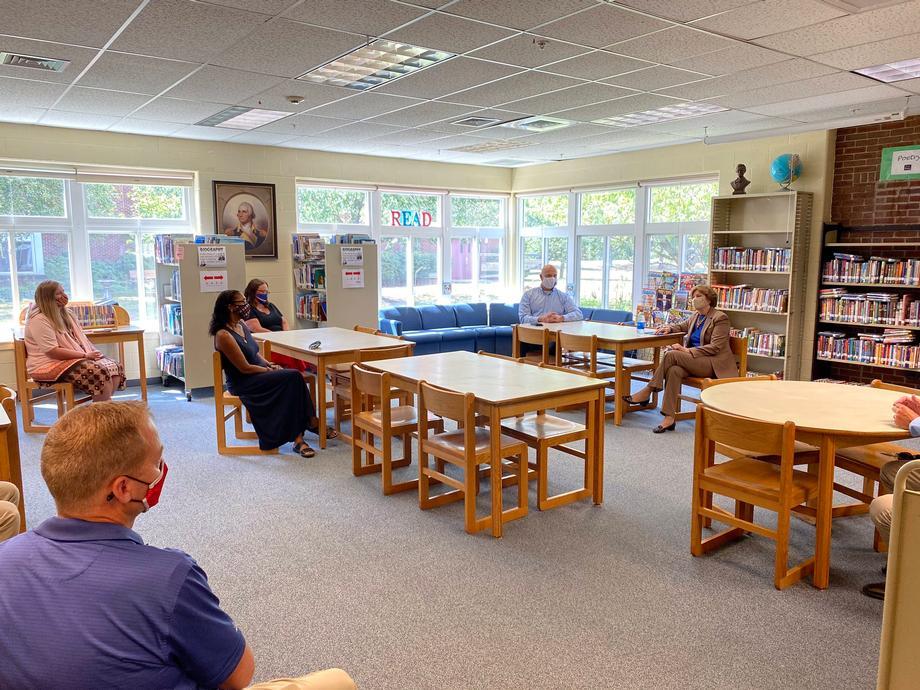 Shaheen visits Matthew Thornton Elementary School